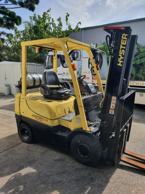 Hyster used forklift - H2.0TXS w/ Sideshift & Fork Positioner 1