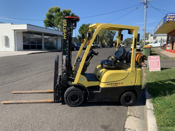 Hyster used forklift - H2.0TXS w/ Sideshift & Fork Positioner 2