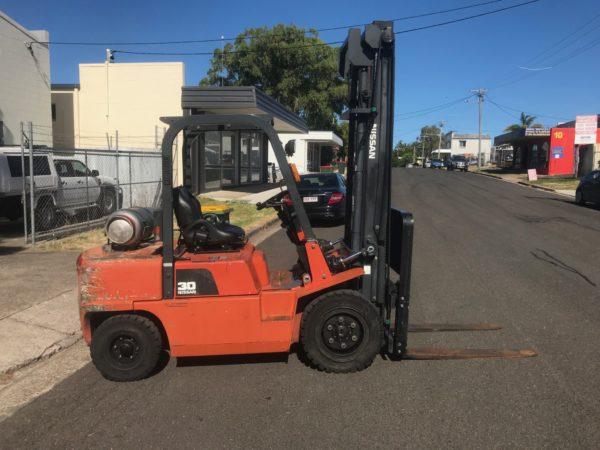 Nissan PJ02A30U 3T Forklift 6