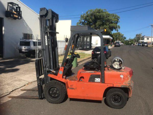 Nissan PJ02A30U 3T Forklift 3