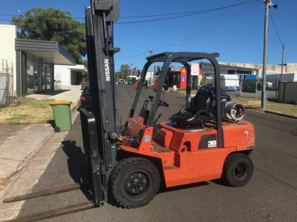 Nissan PJ02A30U 3T Forklift 1