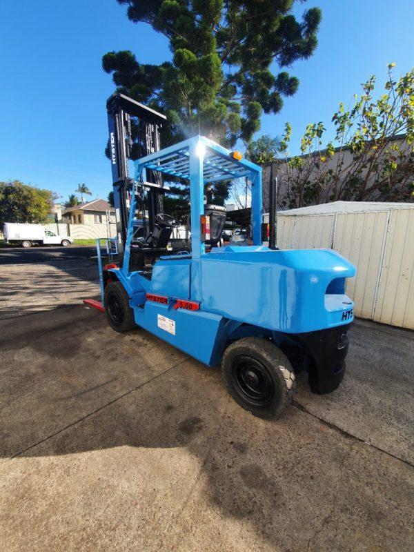 Hyster 5T Diesel Used Forklift - H5.00DX w/ Sideshift 1