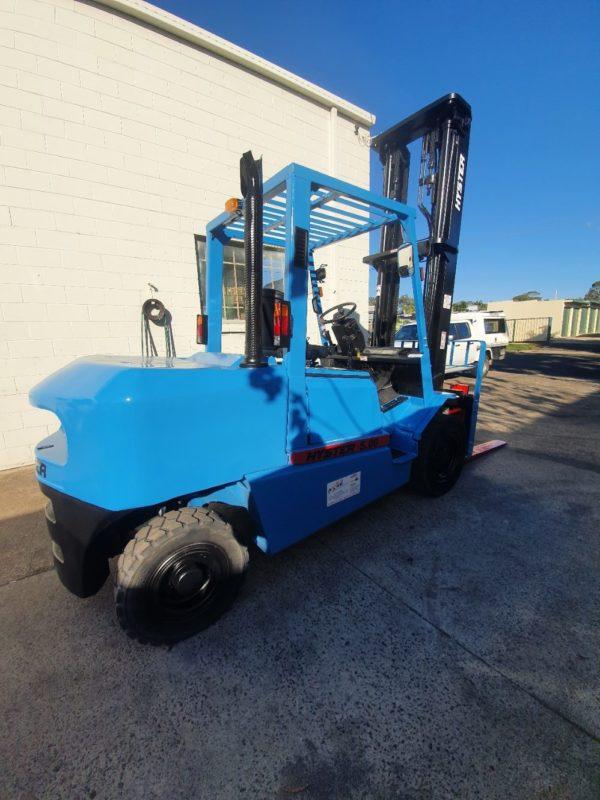 Hyster 5T Diesel Used Forklift - H5.00DX w/ Sideshift 3