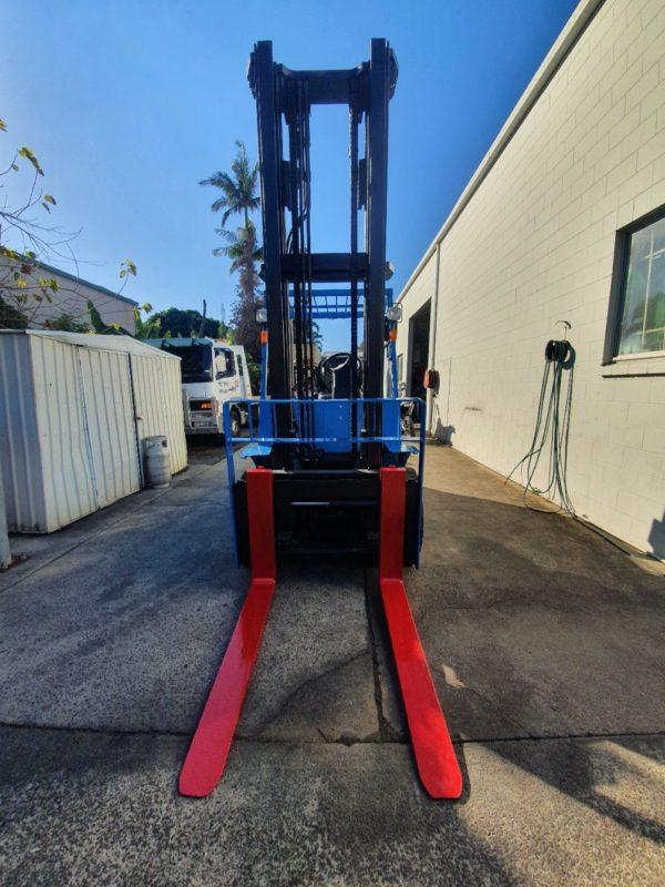 Hyster 5T Diesel Used Forklift - H5.00DX w/ Sideshift 7
