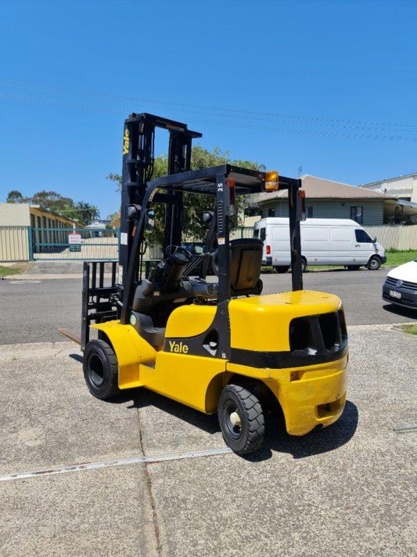 Yale 2.5T Diesel Used Forklift - GDP2.5TK w/ Sideshift & Fork Positioner 5