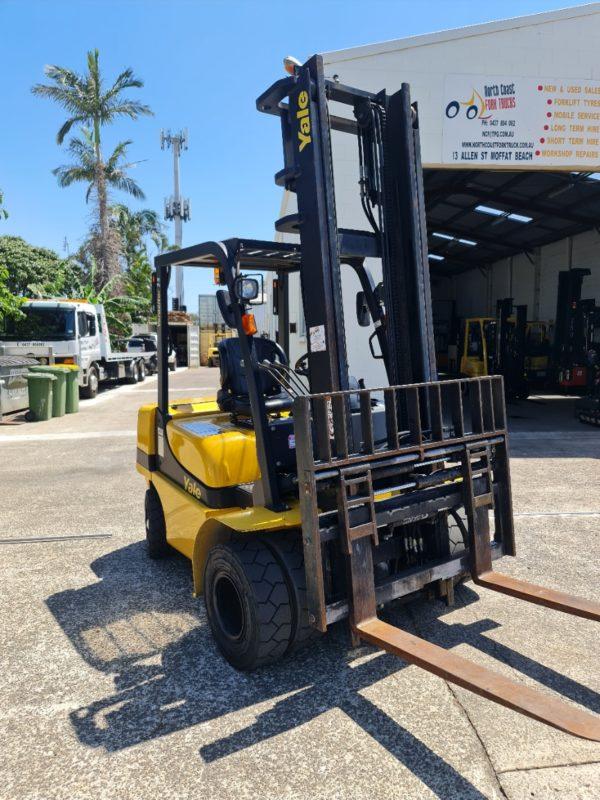 Yale 2.5T Diesel Used Forklift - GDP2.5TK w/ Sideshift & Fork Positioner 1