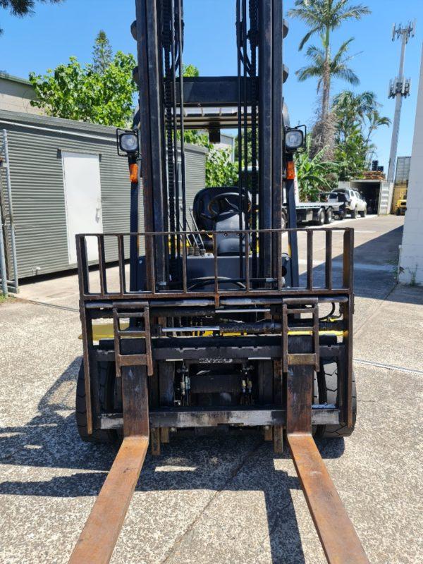 Yale 2.5T Diesel Used Forklift - GDP2.5TK w/ Sideshift & Fork Positioner 3