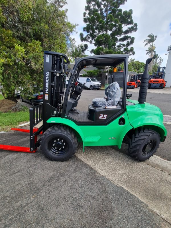 2.5T Rough Terrain With Sideshift & Wide Carriage 4