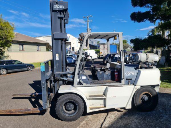 Crown 7T LPG Forklift - CG70S-5 1