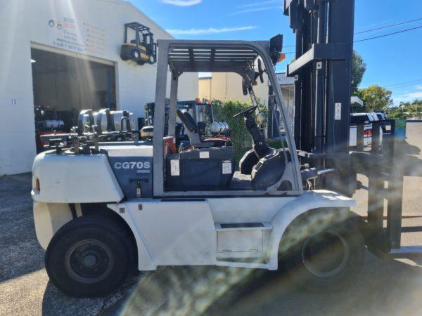 Crown 7T LPG Forklift - CG70S-5 9