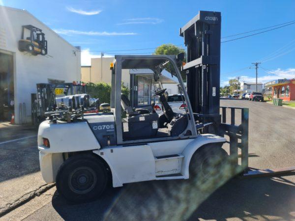 Crown 7T LPG Forklift - CG70S-5 2