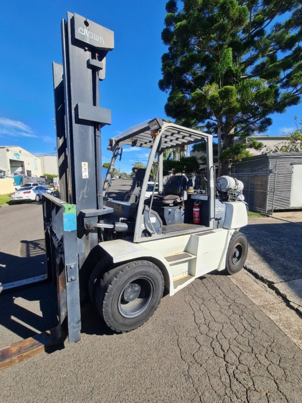 Crown 7T LPG Forklift - CG70S-5 6