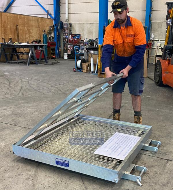 Collapsible Forklift Work Platform - FWP25C 2